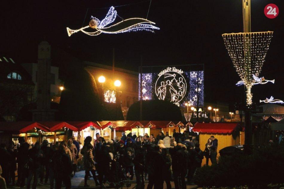 FOTO večernej atmosféry prešovských vianočných trhov