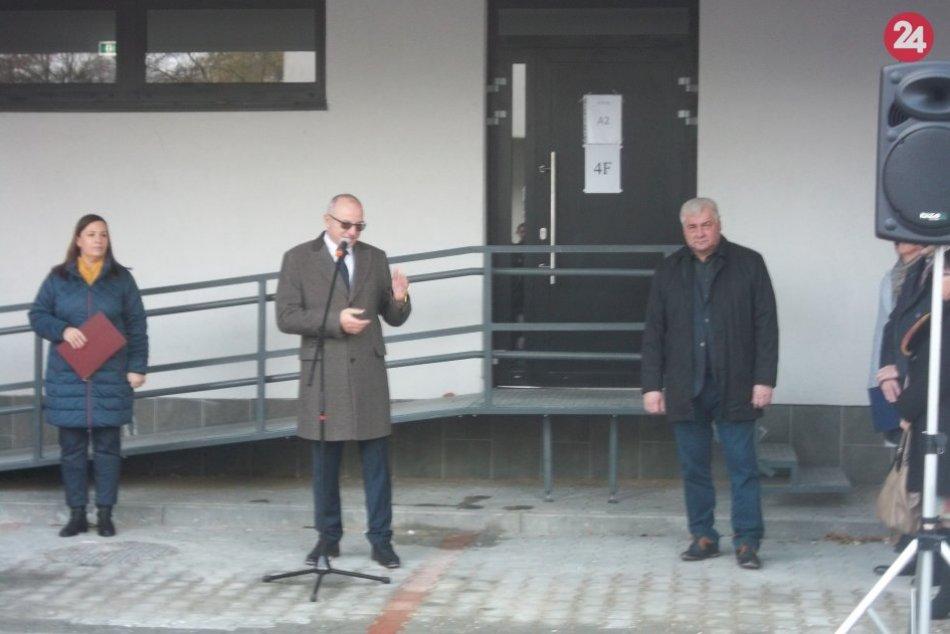 V Šali odovzdali nájomné byty: Ich obyvateľov pozdravil aj minister Érsek, FOTO