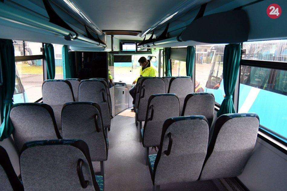 V okolí Michaloviec budú jazdiť nové autobusy: FOTO zo slávnostného odovzdávania