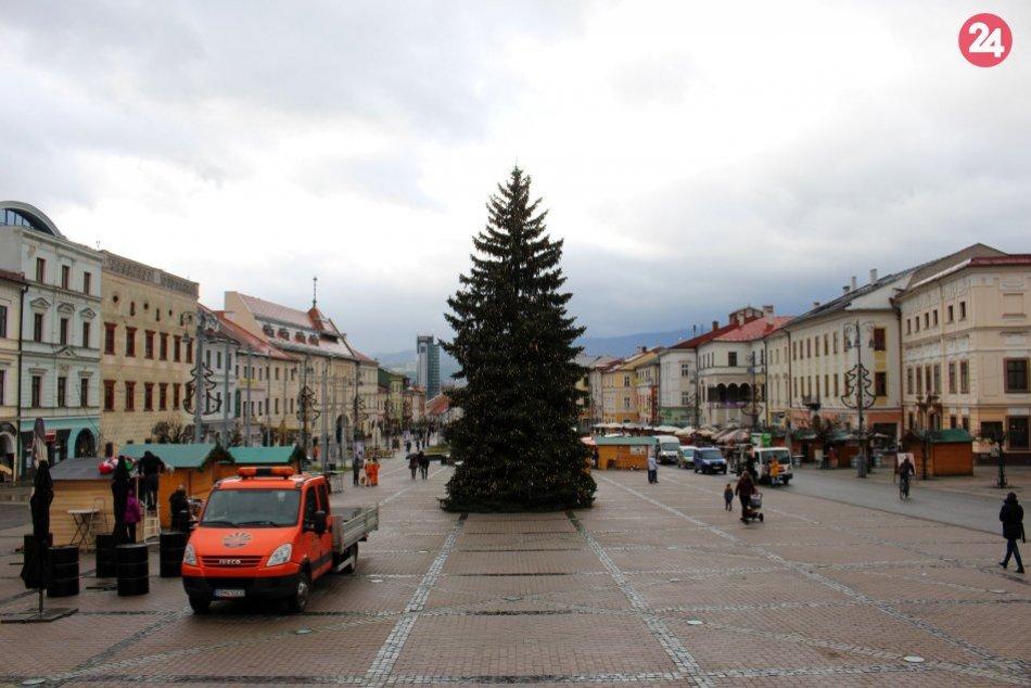 V OBRAZOCH: Prvé zábery z bystrických vianočných trhov