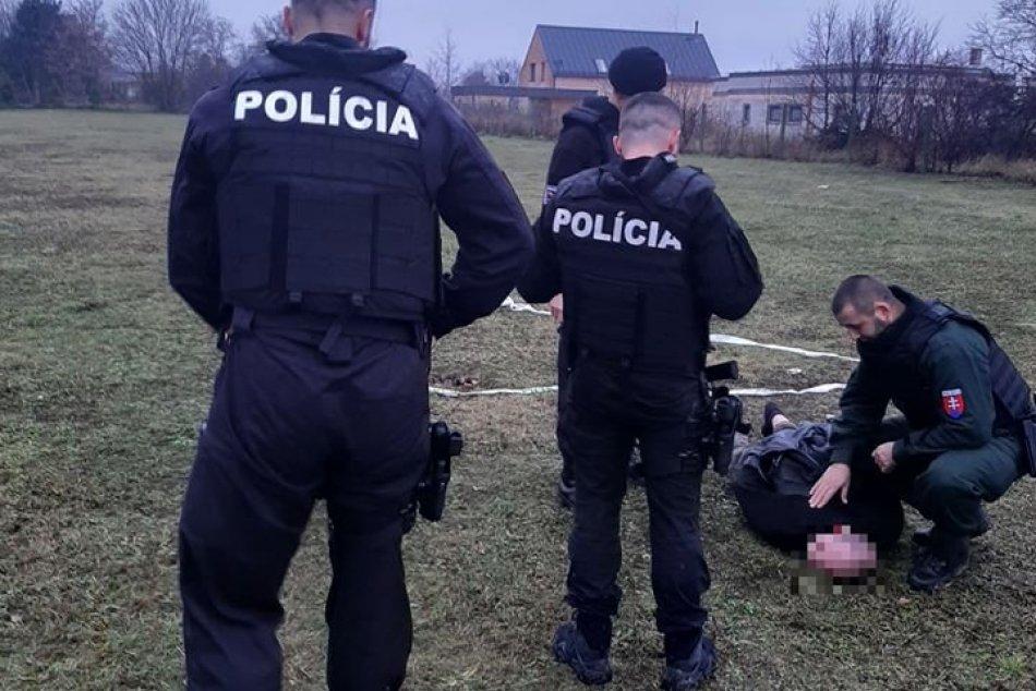 FOTO z miesta: Polícia zasahovala v Nitre, pomáhal aj vyjednávač
