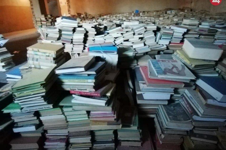 Leopoldovský antikvariát opäť presťahovaný: Tisíce kníh našli nový dočasný domov