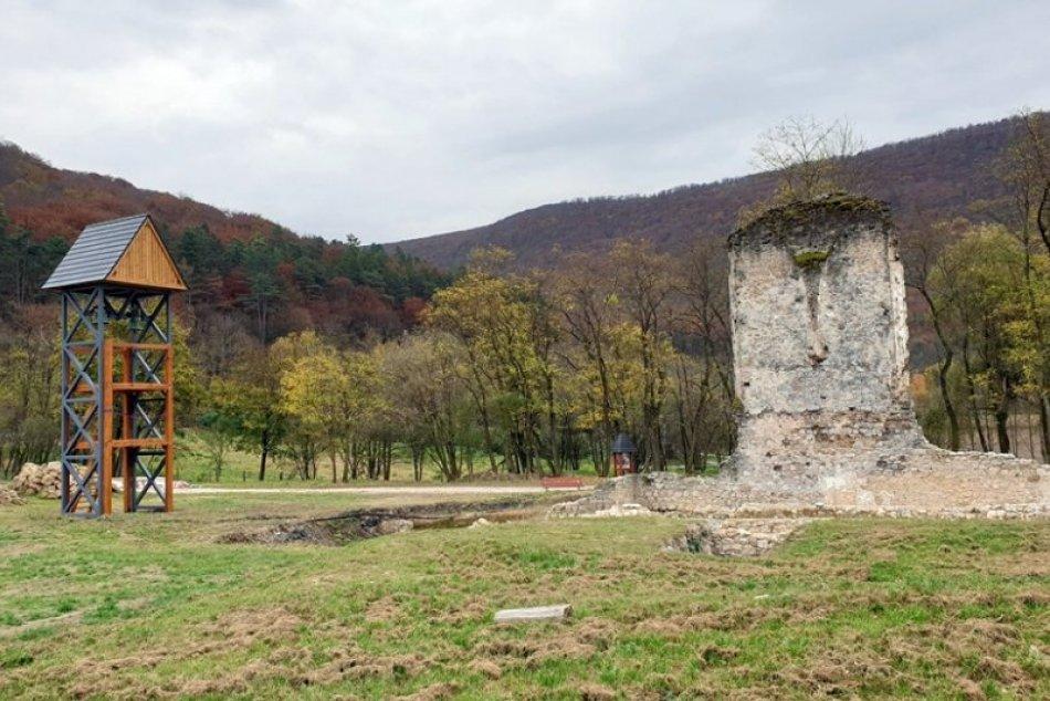 Obrazom: Zanedbaný areál bývalého kláštora sa mení na turistickú atrakciu