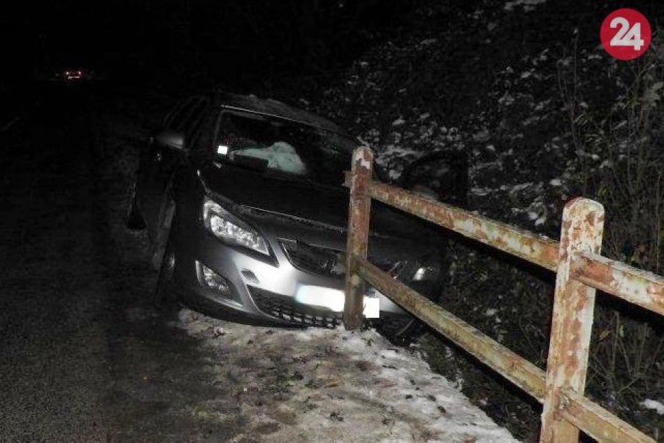 Dopravná nehoda medzi Dlhou a Doľanmi