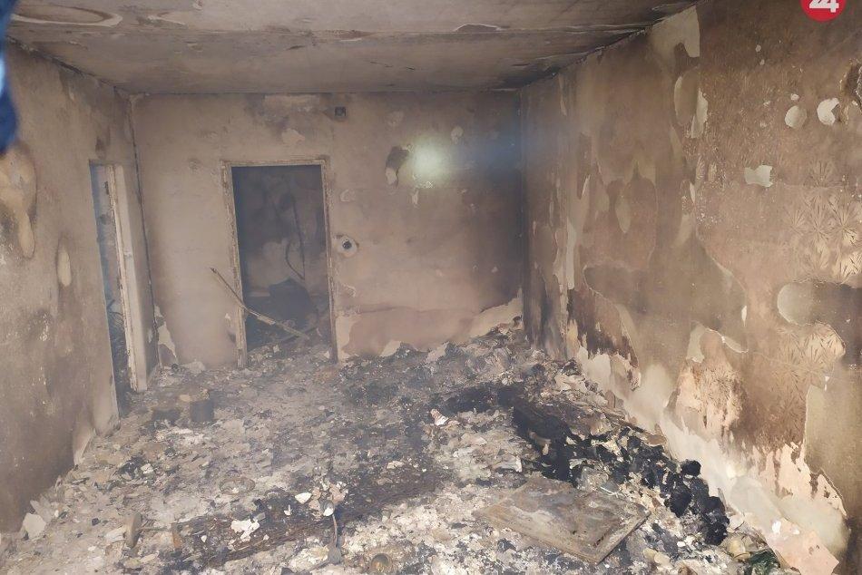 V OBRAZOCH: Desivé zábery zvnútra zhorenej bytovky v Prešove