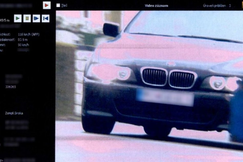 Zemplínskou Širokou preletelo BMW nízko nad zemou