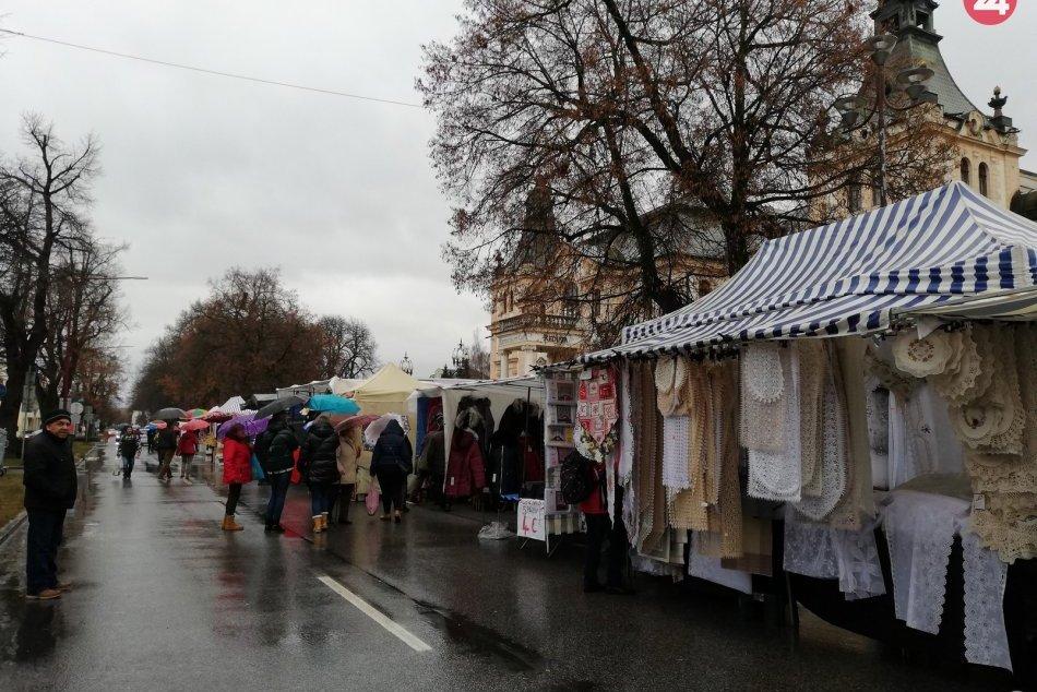 Zachytené objektívom: V Spišskej sa rozbieha 29. ročník Vianočného trhu