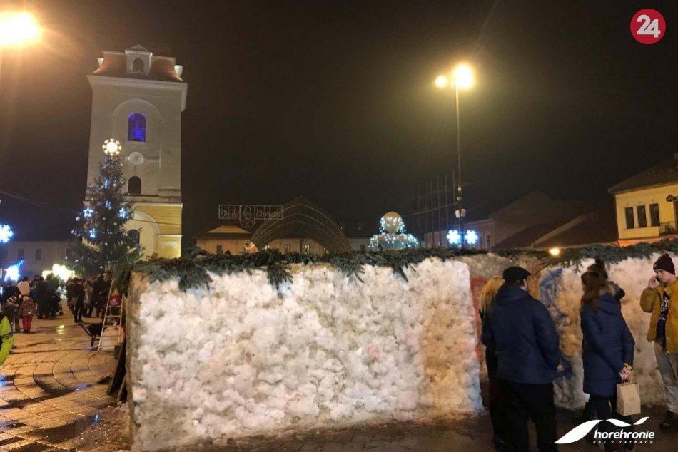 V Brezne už stojí unikátny snehový labyrint
