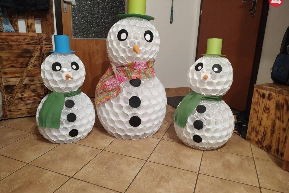Milí snehuliaci zdobia domácnosť Semanovcov
