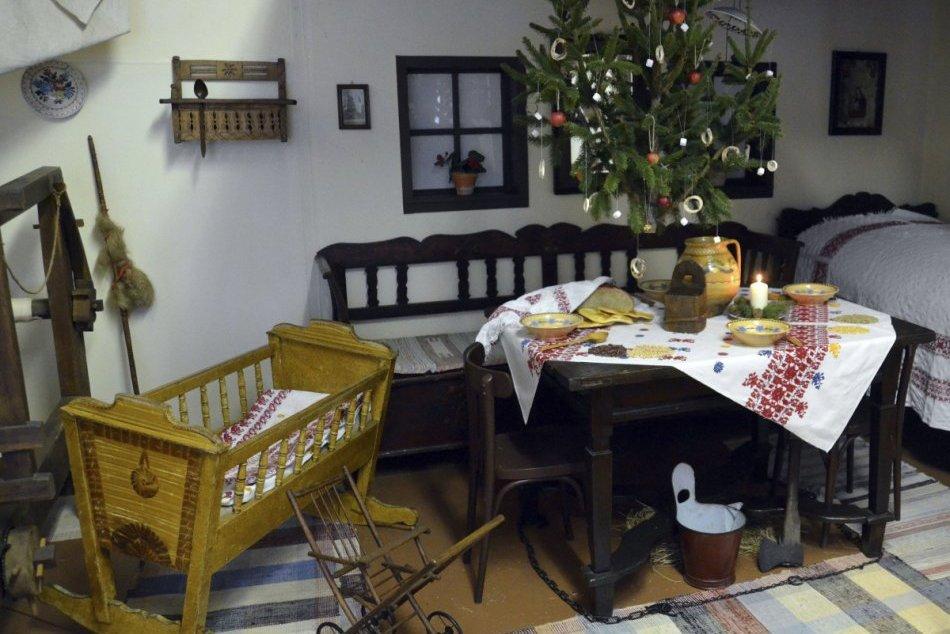 Stolovanie v kaštieli Sztárayovcov: Výstava v Zemplínskom múzeum v Michalovciach