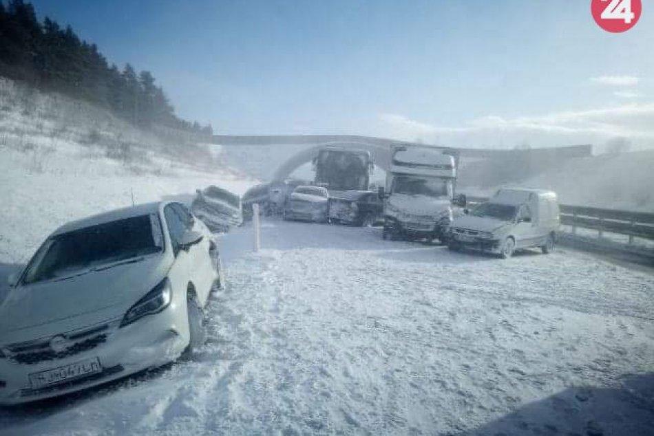 FOTO: Hromadná nehoda na D1 na východe