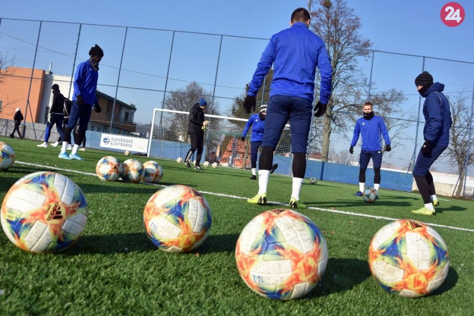 Futbalisti MFK Zemplín Michalovce počas prvého zimného tréningu