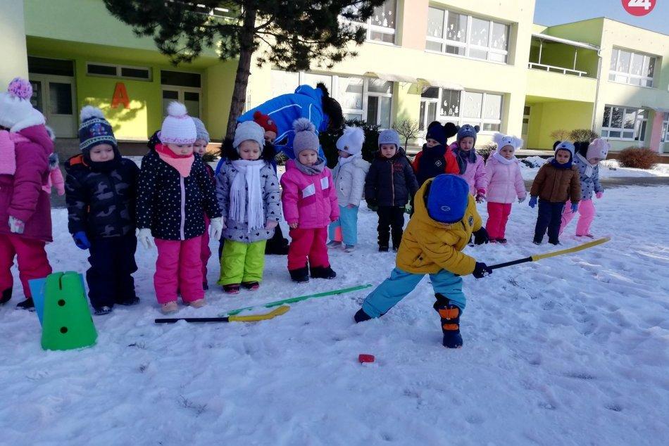 OBRAZOM: Deti z materskej školy si užili zimné športové hry