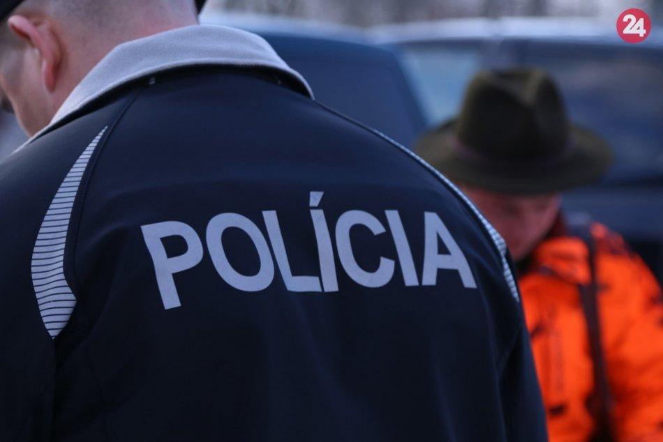 Polícia si posvietila na poľovníkov: Jeden z nich nafúkal, FOTO