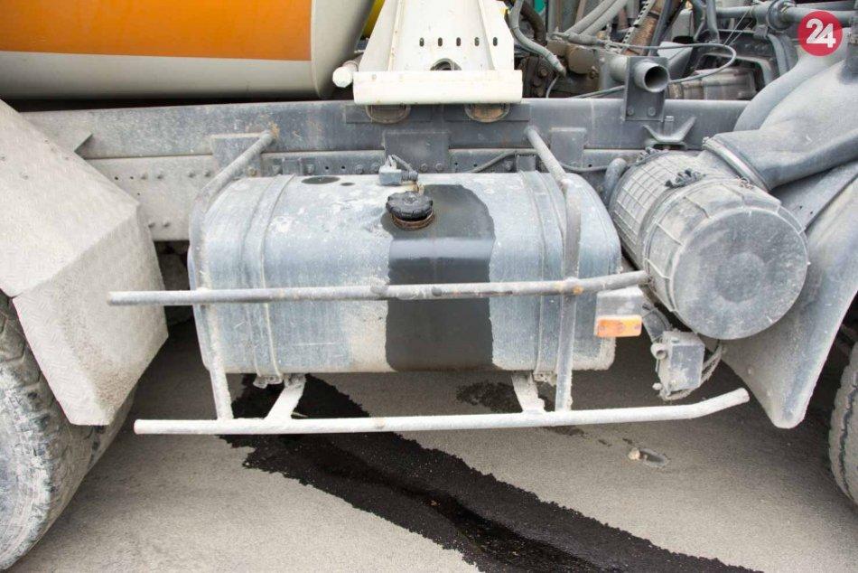 Z nákladných áut zmizlo takmer 1100 litrov nafty: Polícia začala trestné stíhani