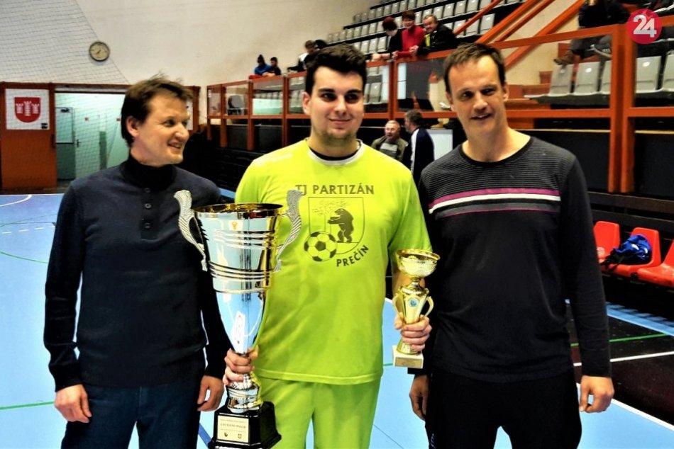 FOTO: Halový turnaj ObFZ Považská Bystrica, víťazom Prečín
