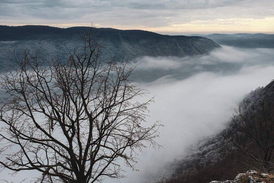 Obrazom: Výhľad z Plešiveckej planiny