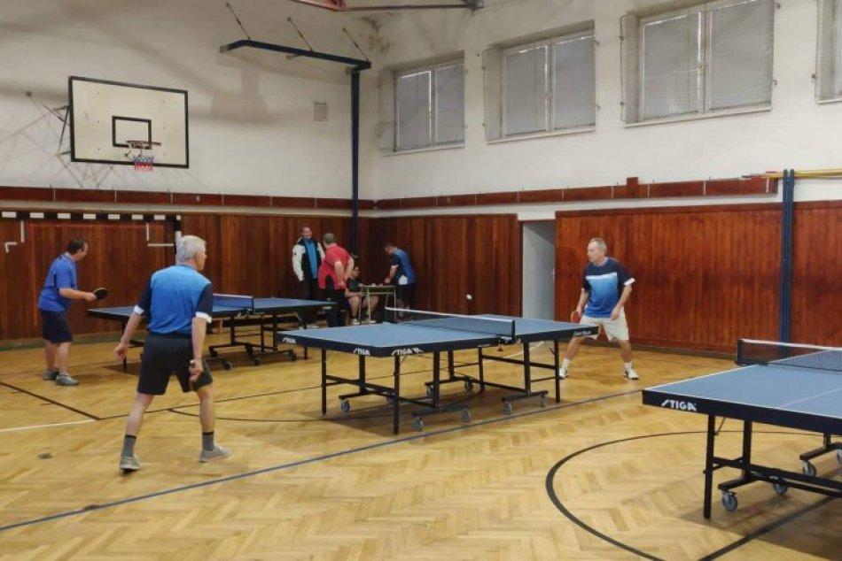 Stolní tenisti odštartovali nový rok: Turnaj si užili mladí aj seniori, FOTO