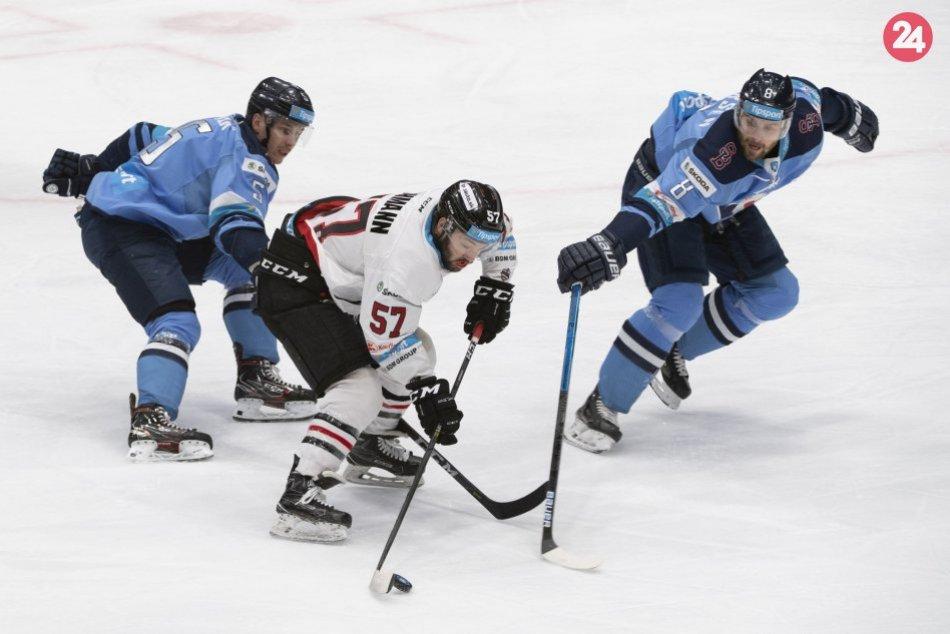 V OBRAZOCH: Bystrickí hokejisti bojovali o body s bratislavským Slovanom