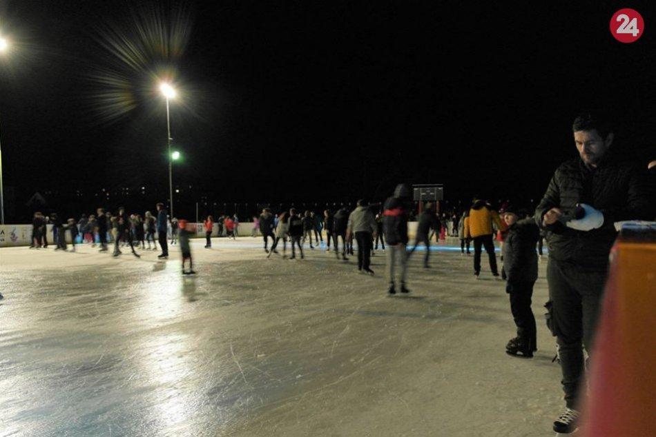Úspešné nočné korčuľovanie: Šaliansky ľad brázdilo vyše 500 účastníkov, FOTO