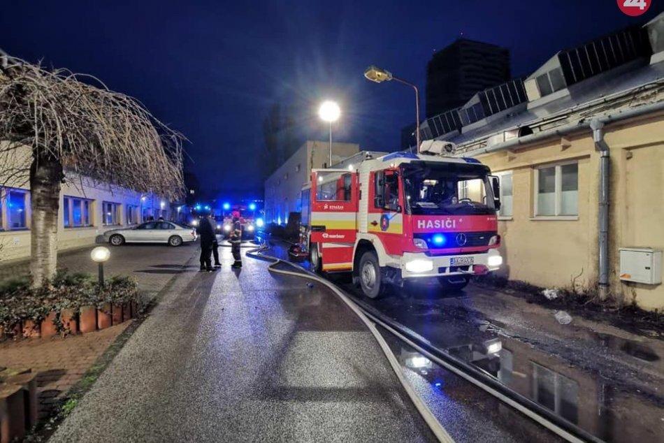 Požiar skladu v Petržalke