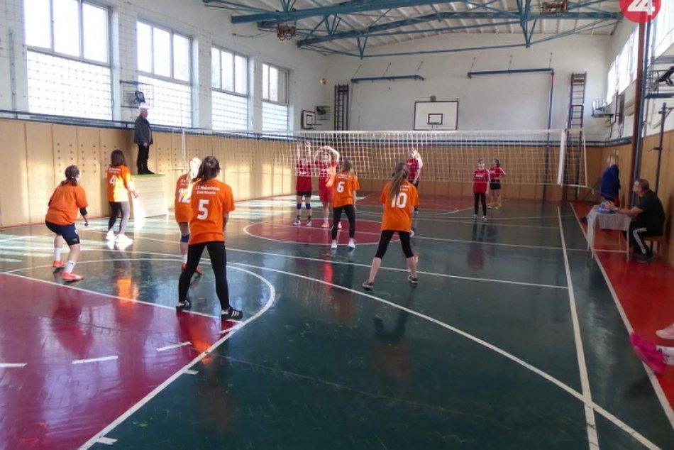 Majstrovstvá okresu žiakov a žiačok vo volejbale