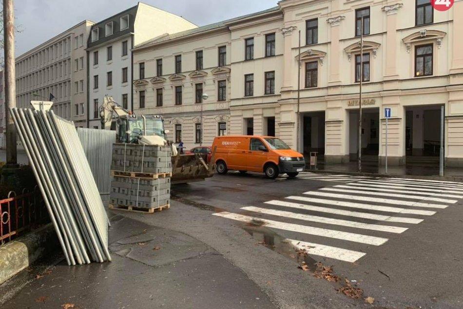 V OBRAZOCH: Stavebné práce na III. etape rekonštrukcie zvolenského námestia