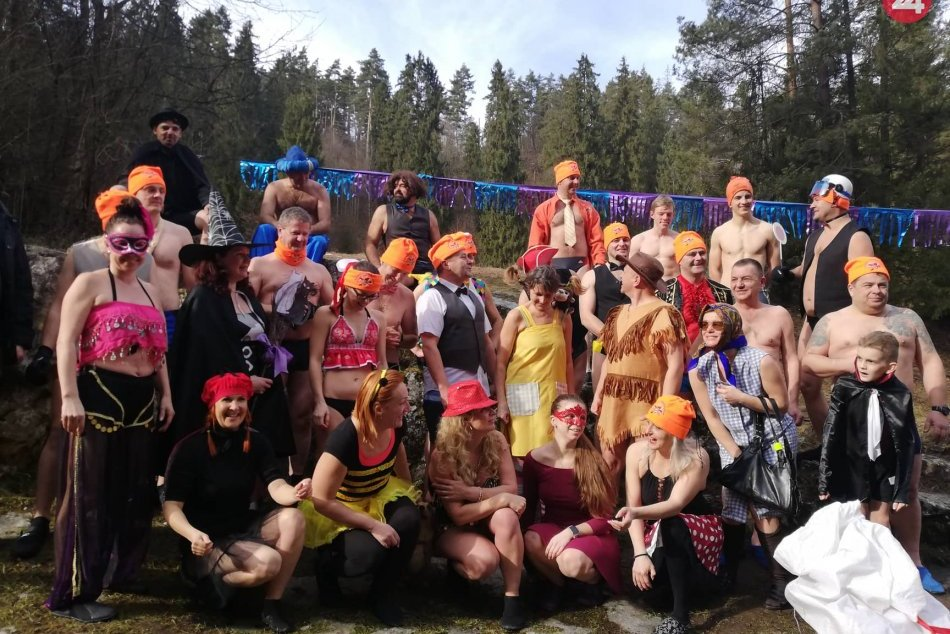 OBRAZOM: Otužilci sa zabávali v Slovenskom raji