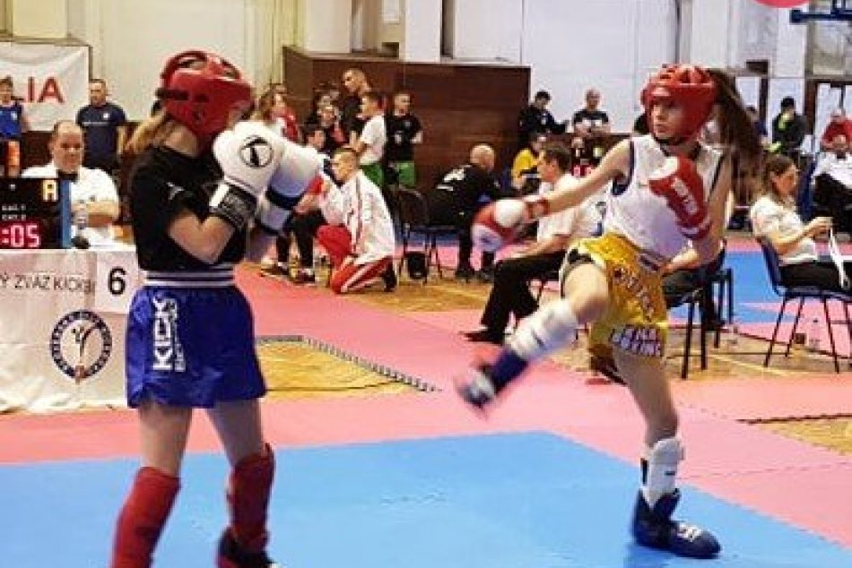 V OBRAZOCH: Kickboxeri z Revúcej vybojovali 9 medailí na prestížnom turnaji