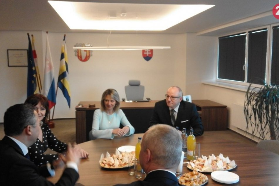 Minister Kamenický s tajomníkom Göncim v Šali: Návšteva kvôli plavárni