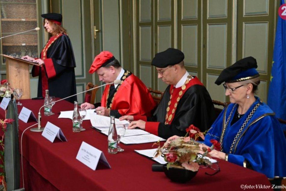 Obrazom: Čestný titul od Prešovskej univerzity pre Kláru Papp