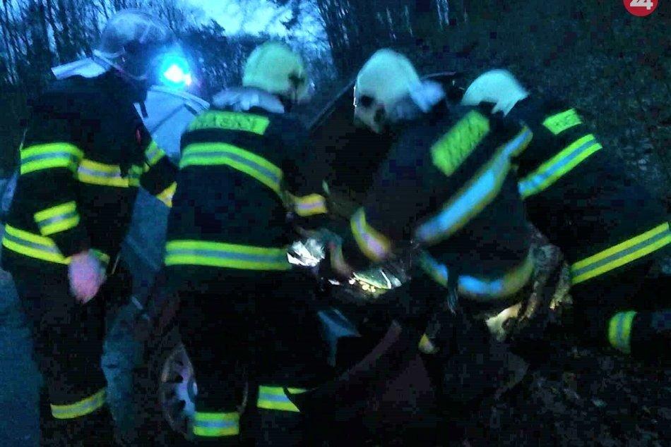 FOTO z dopravnej nehody pri Novákoch