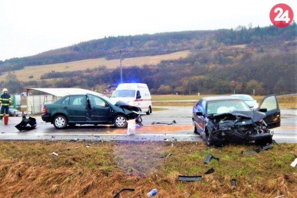FOTO z vážnej nehody v okrese Považská Bystrica