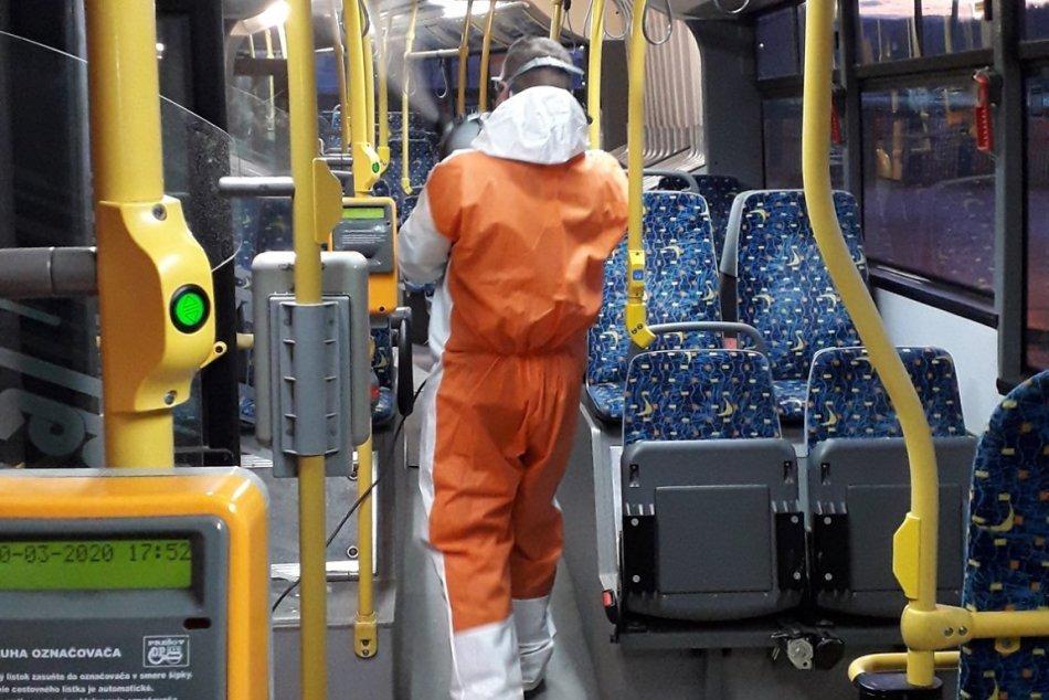 Obrazom: Dezinfekcia vozidiel prešovskej MHD