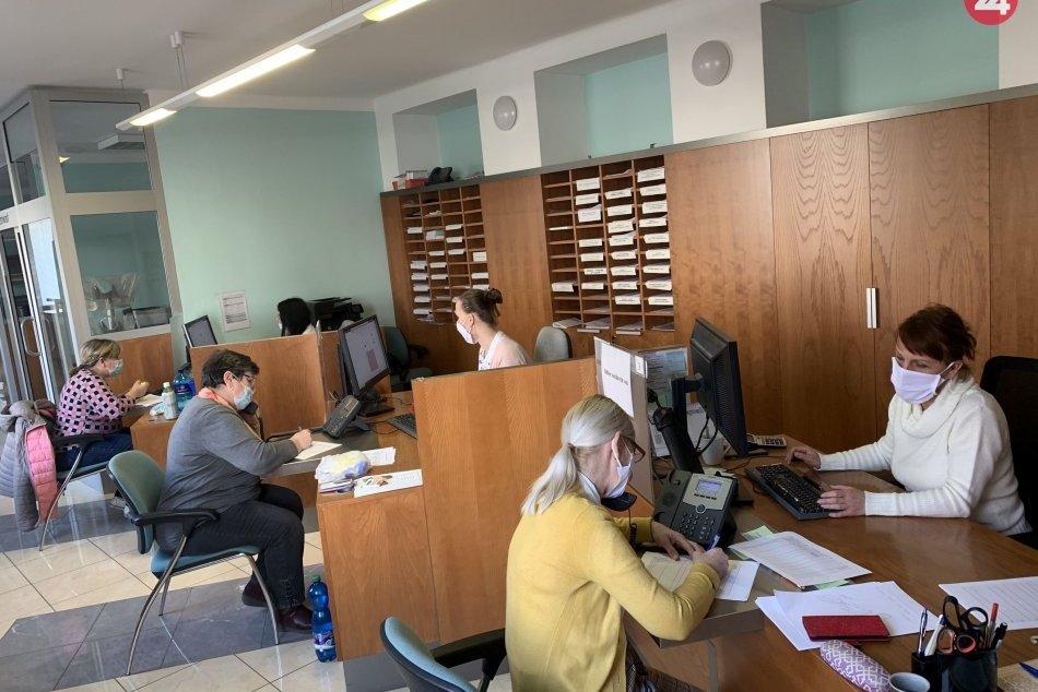 Klientske centrum mestského úradu sa zmenilo na Krízové call centrum