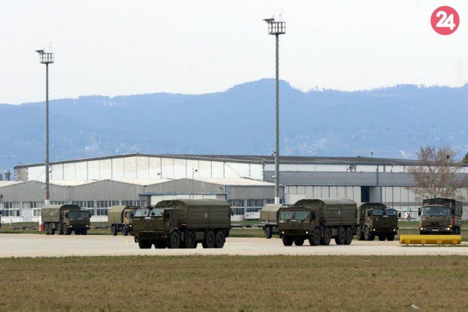 Na Slovensko dorazilo 74 ton zdravotníckeho materiálu z Číny