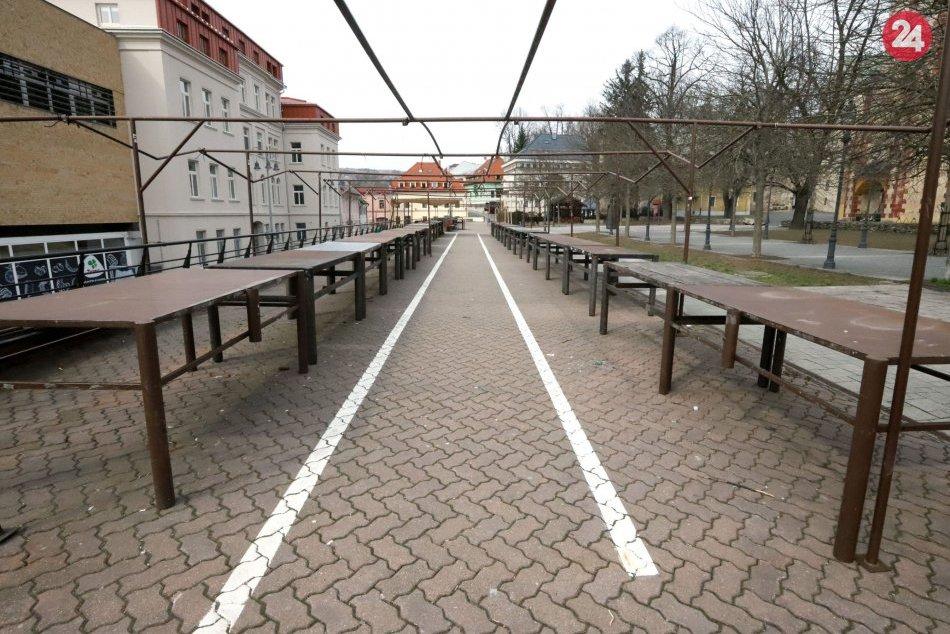 V OBRAZOCH: Ľudoprázdne ulice Bystrice, život utíchol aj v centre
