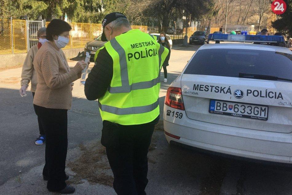 V OBRAZOCH: Nové posily mestských policajtov už hliadkujú v teréne