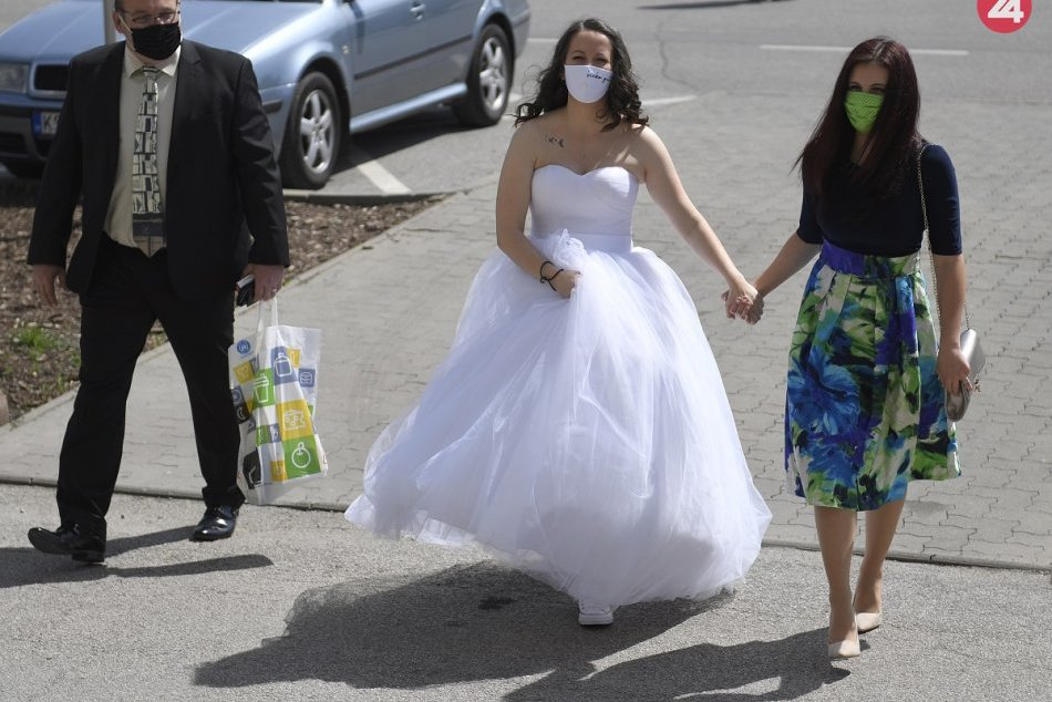 Svadba v rúškach - KE
