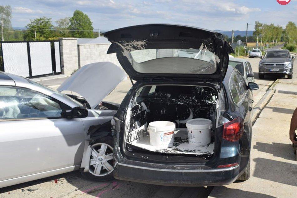 Tri rozbité autá a škoda za 10-tisíc eur