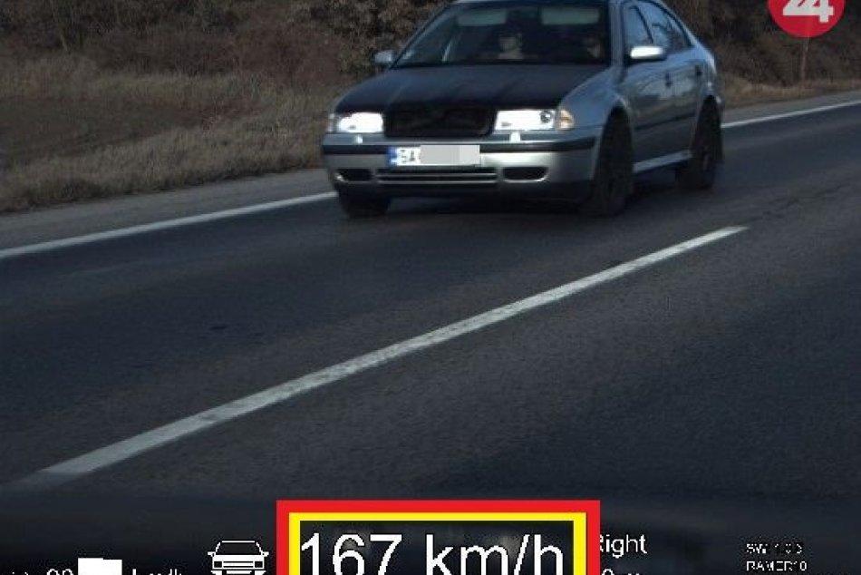 Polícia sa zamerala na dodržiavanie maximálnej povolenej rýchlosti