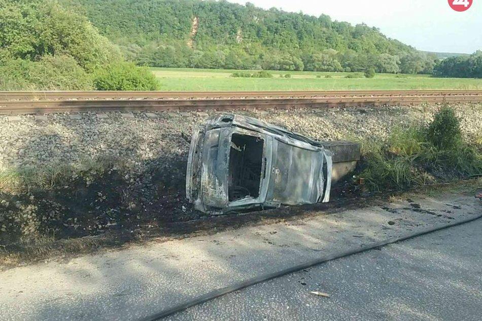 Tragédia v Gemerskej Hôrke: Auto v plameňoch, zahynulo dieťa