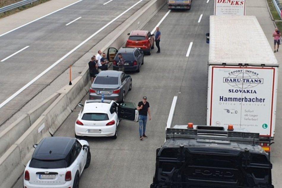 A6 výjazd autá kamióny rakúsko slovenský hraničný priechod Kitsee
