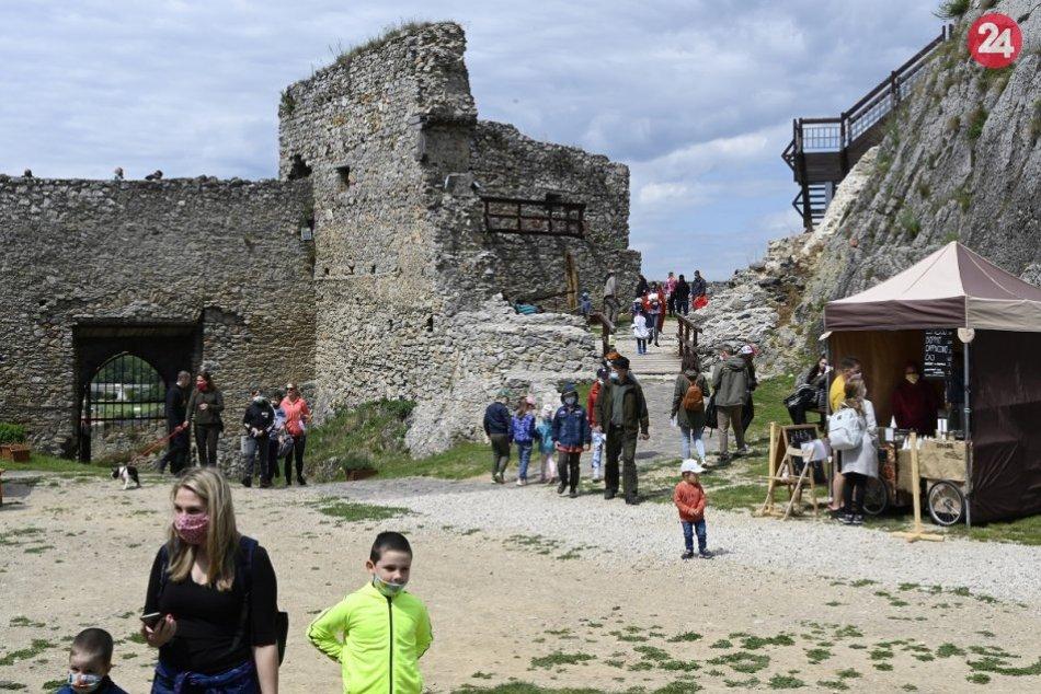 OBRAZOM: Detský víkend na Beckovskom hrade