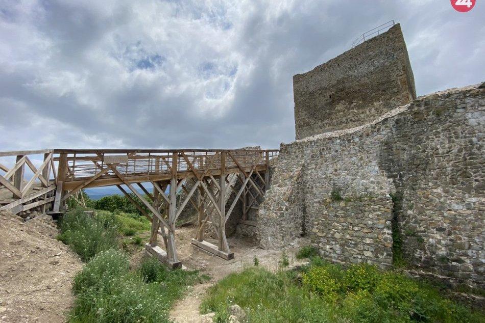 Obrazom: Na hrade Šariš pracujú desiatky ľudí