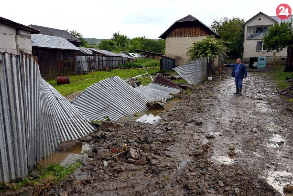 OBRAZOM: Situácia po bleskovej povodni v obci Pichne