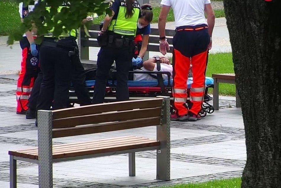 V OBRAZOCH: Kamery vo Zvolene zachytili muža s epileptickým záchvatom