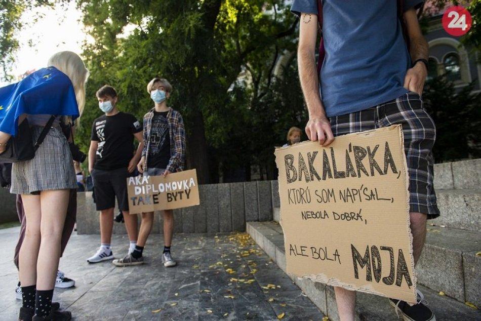 Protest proti Borisovi Kollárovi