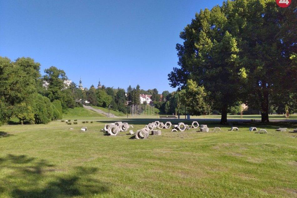 V ORBAZOCH: Bystrický park sa oplatí navštíviť už ráno