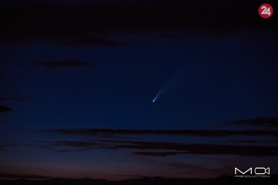 Obrazom: Nádhera na oblohe, Michal nafotil kométu zo Šarišského hradu